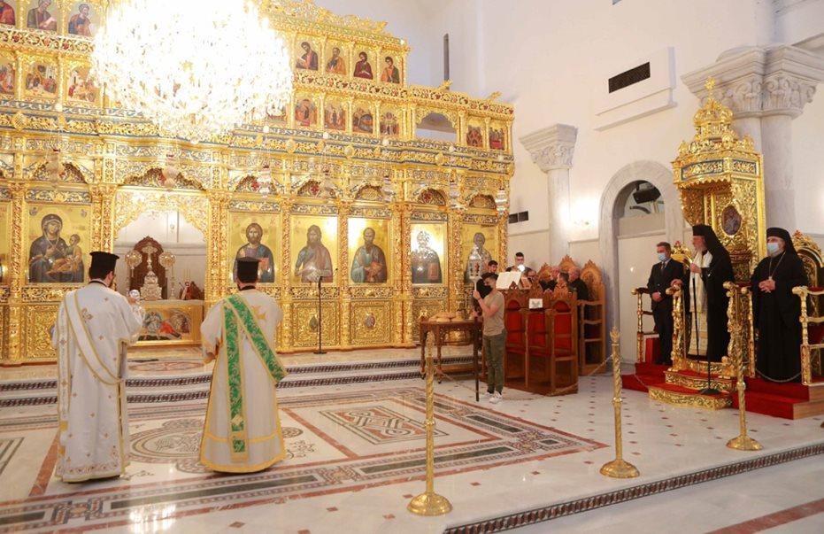 Архиепископа Кипрской Православной Церкви обвинили в расточительстве и нежелании помочь малому бизнесу