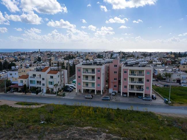 Банки Кипра продолжают активно распродавать конфискованное жильё по всему острову