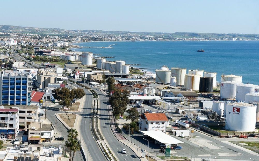 Petrolina выкупила 3 участка на прибрежной полосе Ларнака – Декелия