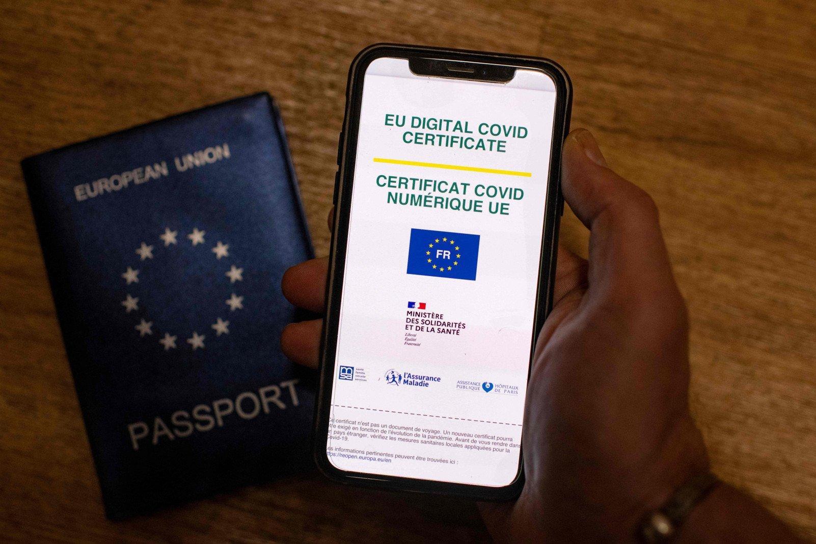 На Кипре начали действовать COVID-сертификаты