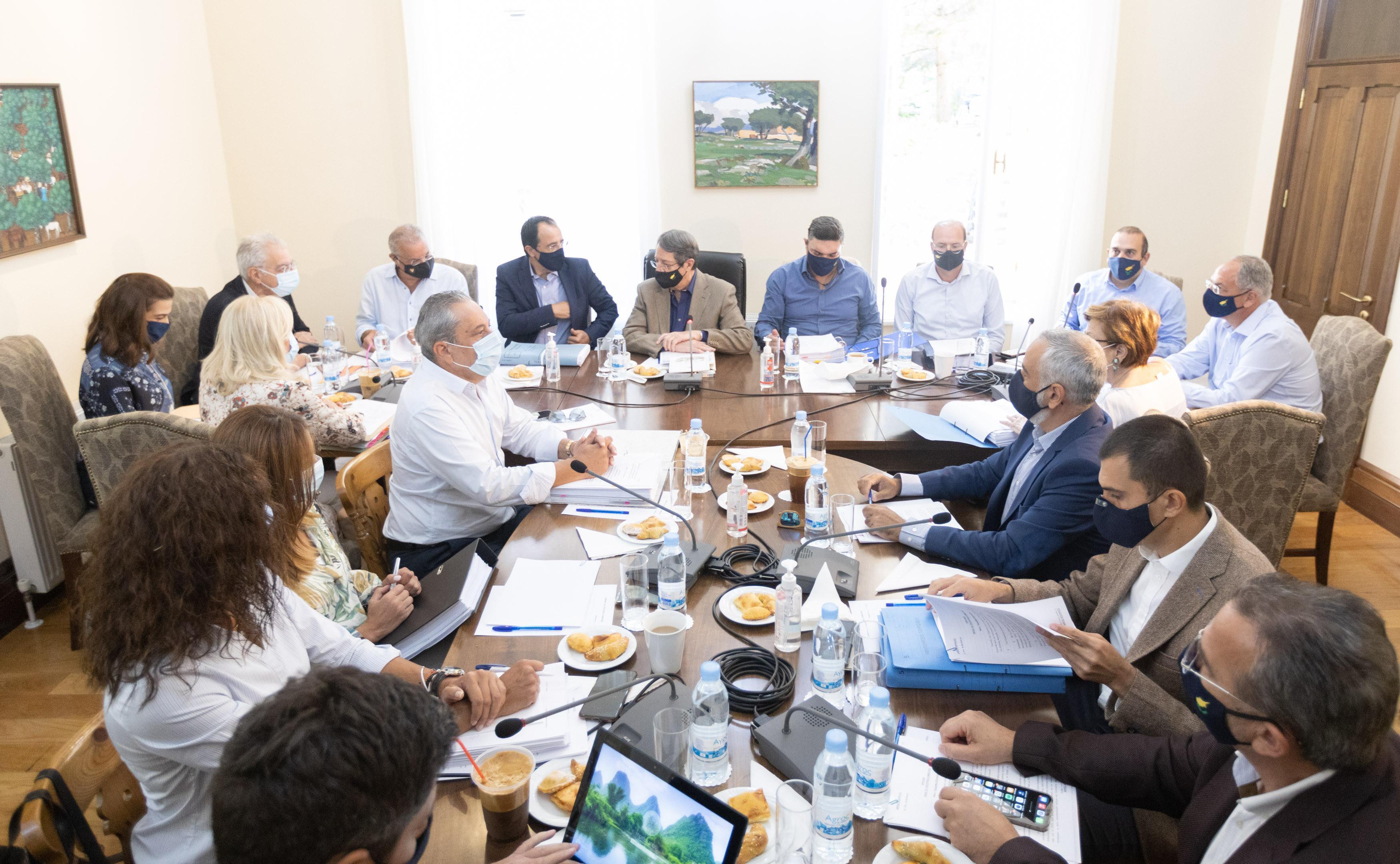 Власти Республики Кипр аннулировали паспорта 10 членов турко-кипрского правительства